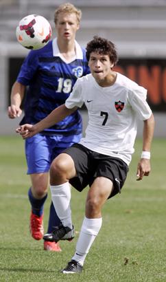 HALL PASS  Princeton University men s soccer player Nico Hurtado controls  the ball last Sunday against aaae552291