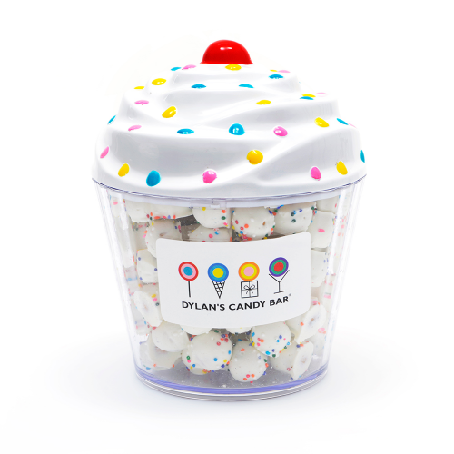 dylans-candy-bar-cupcake-filled-with-white-chocolate-pretzel-balls-26-00